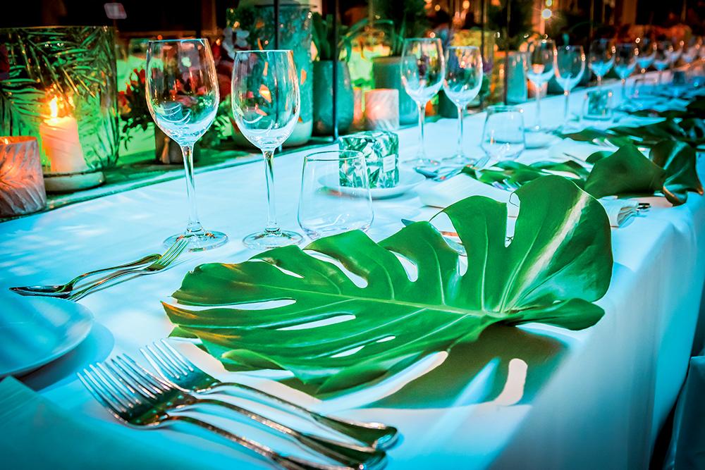 mise en place jungle wedding